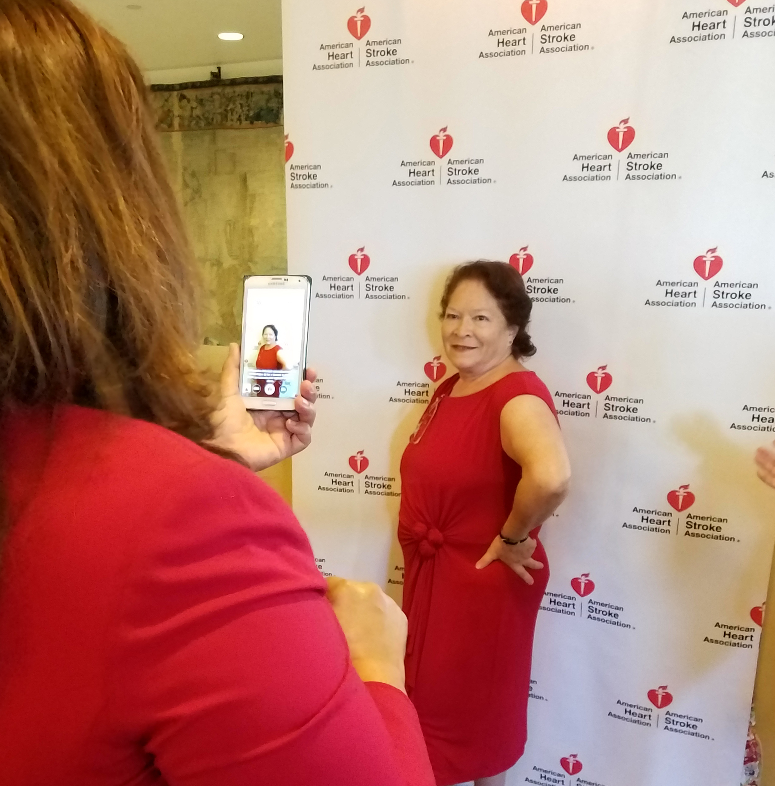 Los Angeles Go Red Por Tu Corazon square