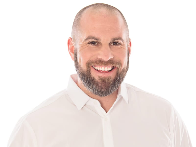Survivor, former NFL player, and magician Jon Dorenbos. (Photo courtesy of Jon Dorenbos)